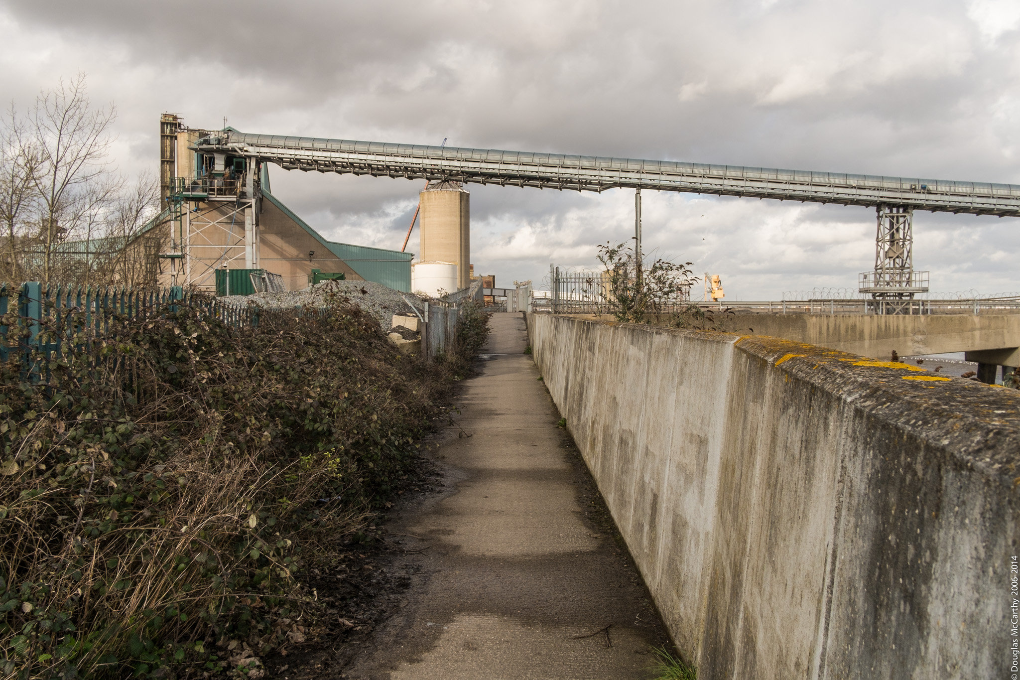Thames Path at Erith, 2014