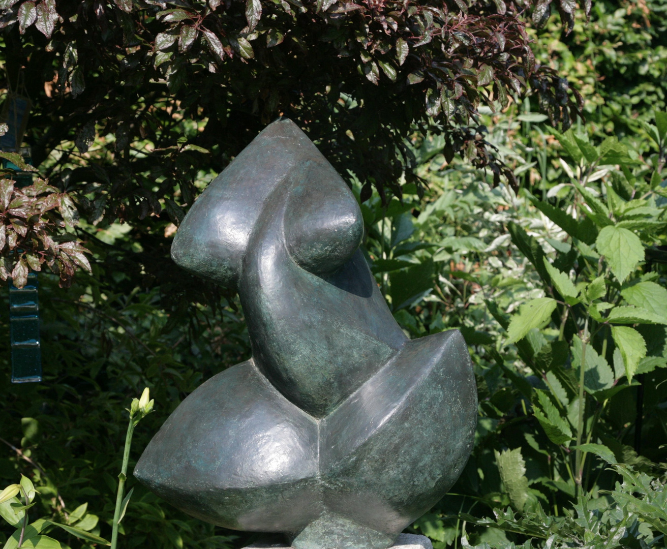 Abstract Torso 1993/2003   60 x 52 x 34cm  Bronze Resin , Studio Garden, Photo