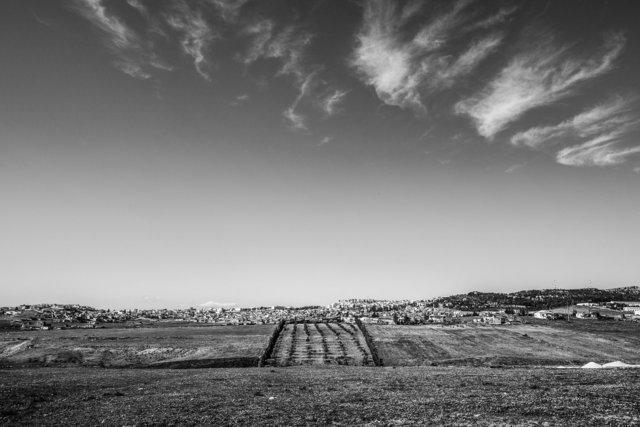 Vue sur el Kef depuis la route des frontières algériennes, 2014.