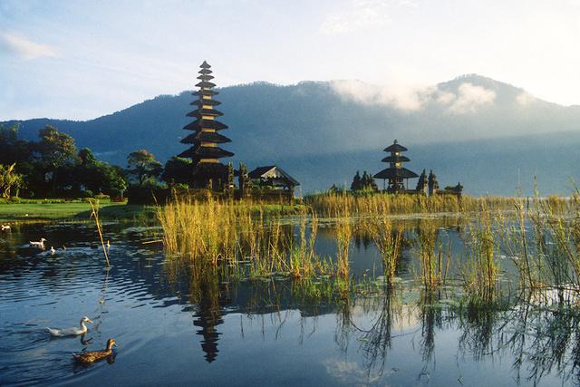 Lake Bratani, Bali