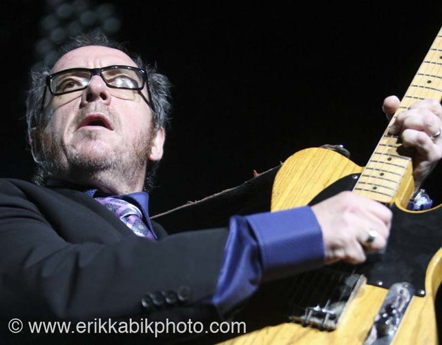 elvis_costello_5_23_08-66.jpg