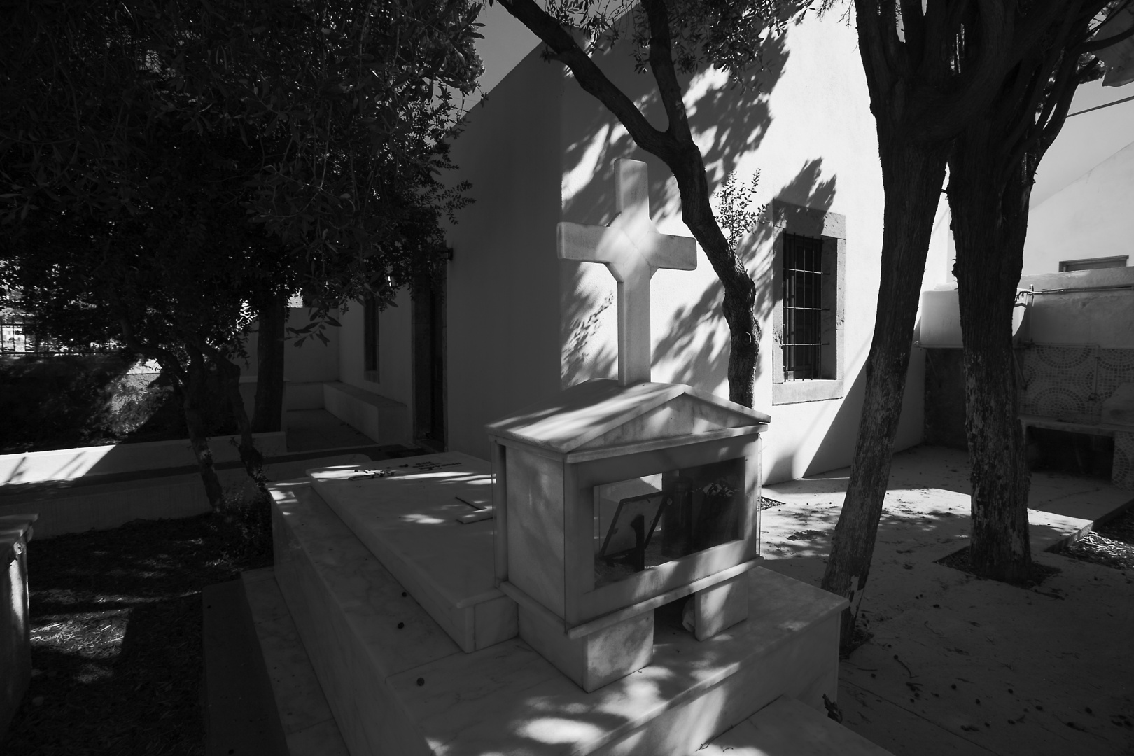 Graves in Patmos 2