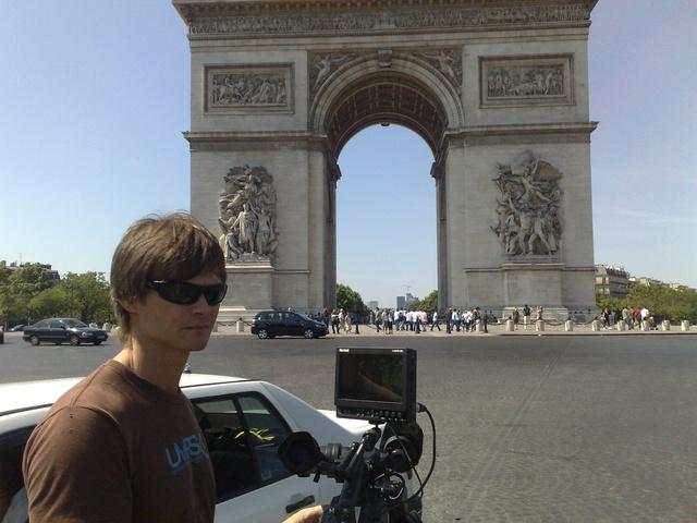 Dmax, Paris
