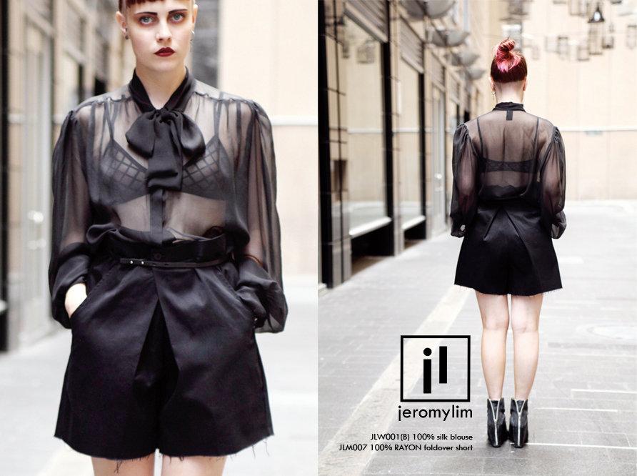 black blouse.jpg