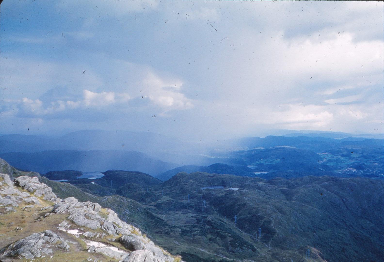 1200 (11) Fjell boven Bergen G