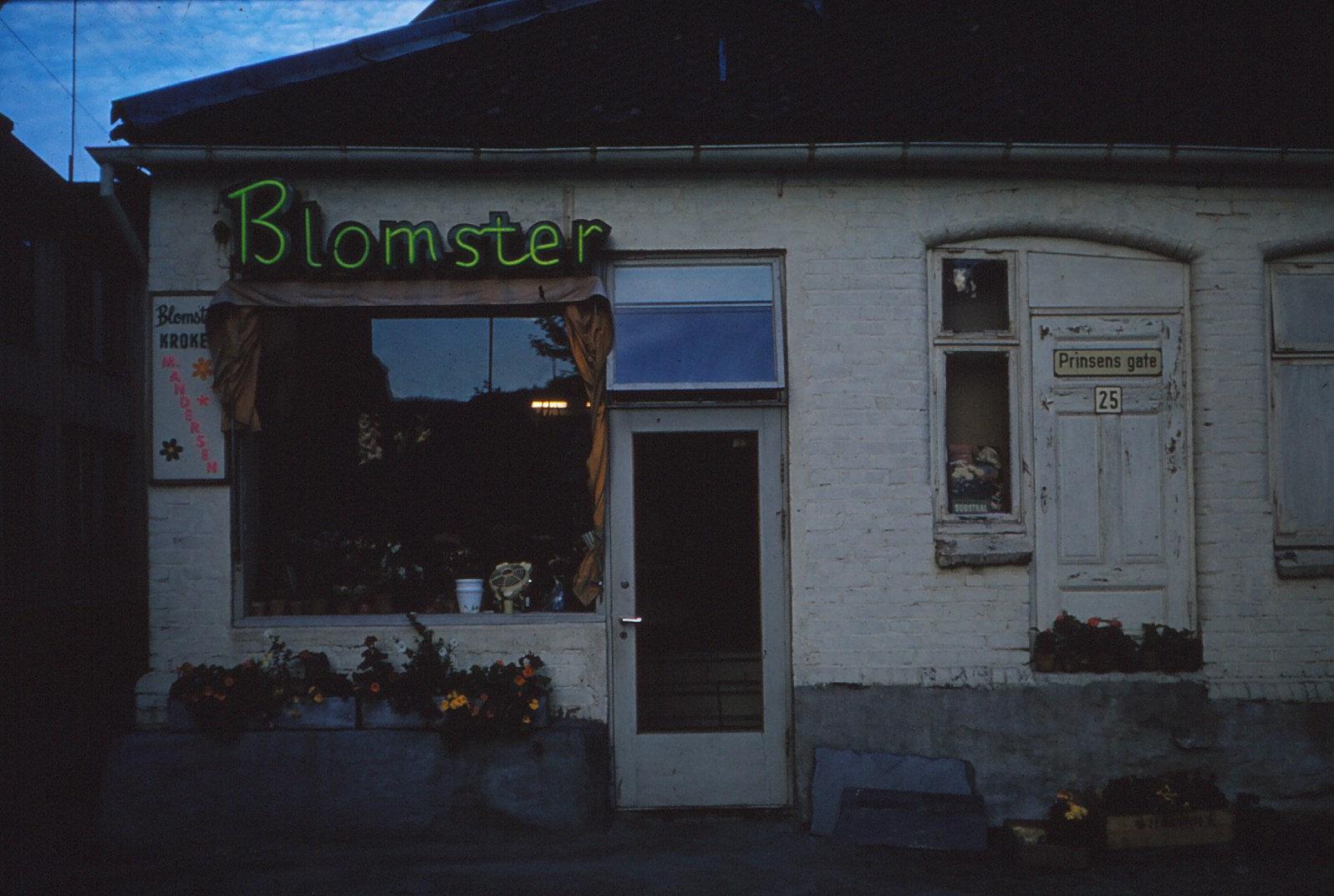 1151 (1) Winkel in Trondheim