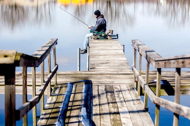 hnews_sat0326_Fishing1 copy.JPG