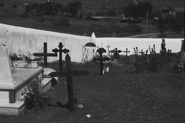 Graves in Wall Spain