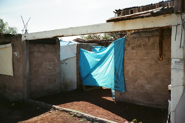 wc et bache bleue - mexico.jpg