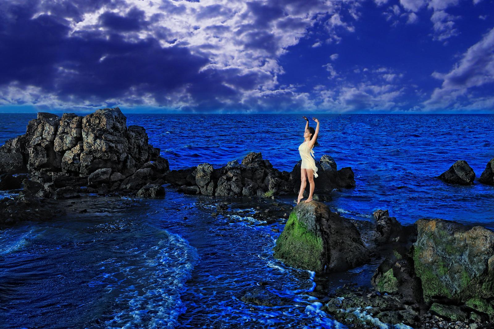 Nikki blue.jpg