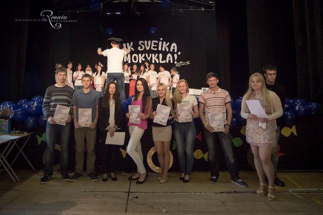 128_4vejai_Lik sveika mokykla2014_web.JPG