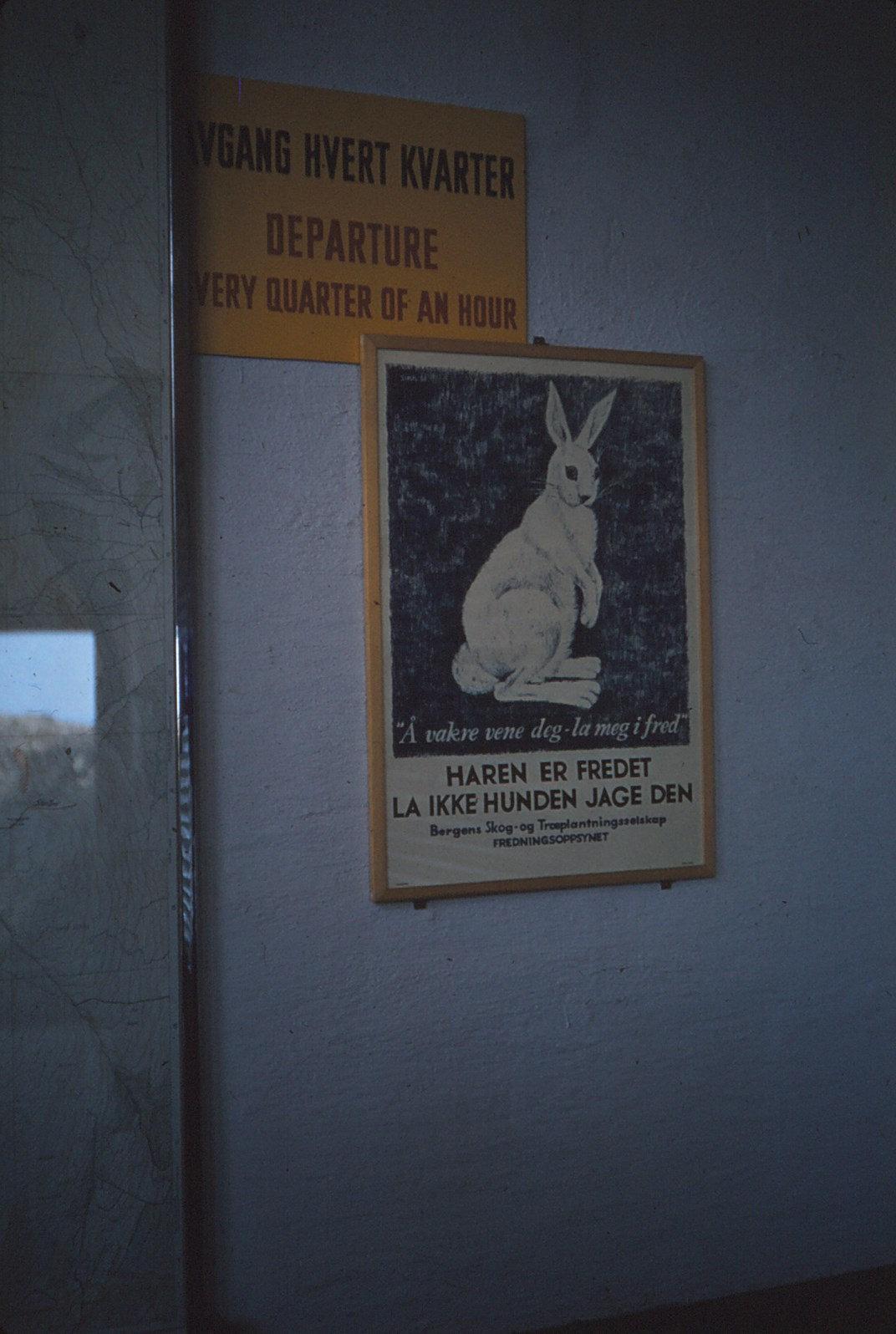 1201 (12) Affiche Hare er fredet