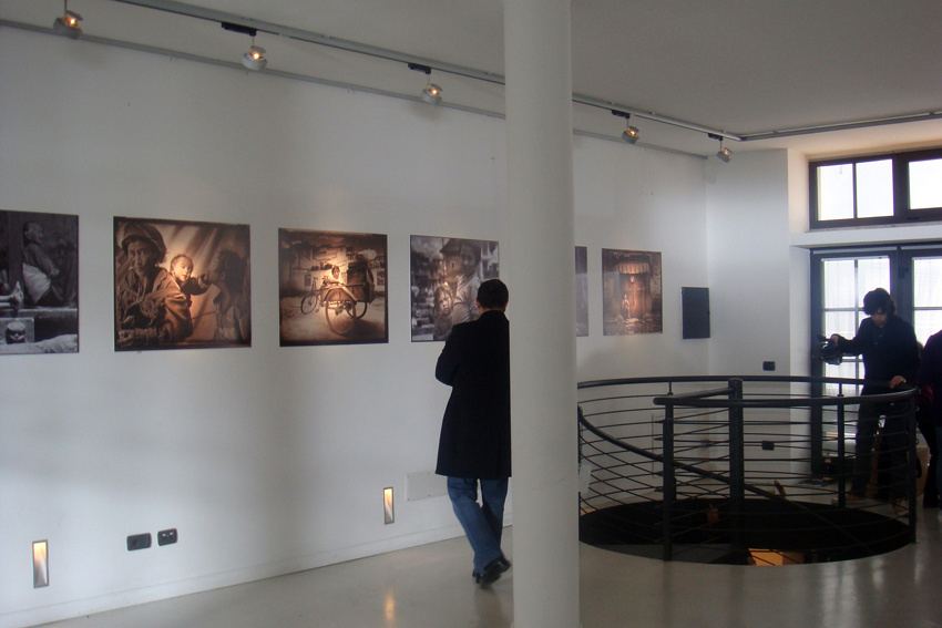 temporary art gallery