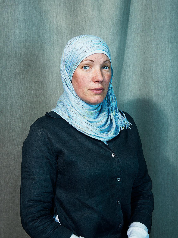 Ioni Sullivan - Converts to Islam