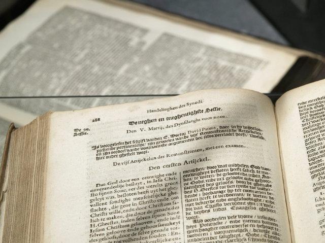 bijbel  - synode van dordrecht
