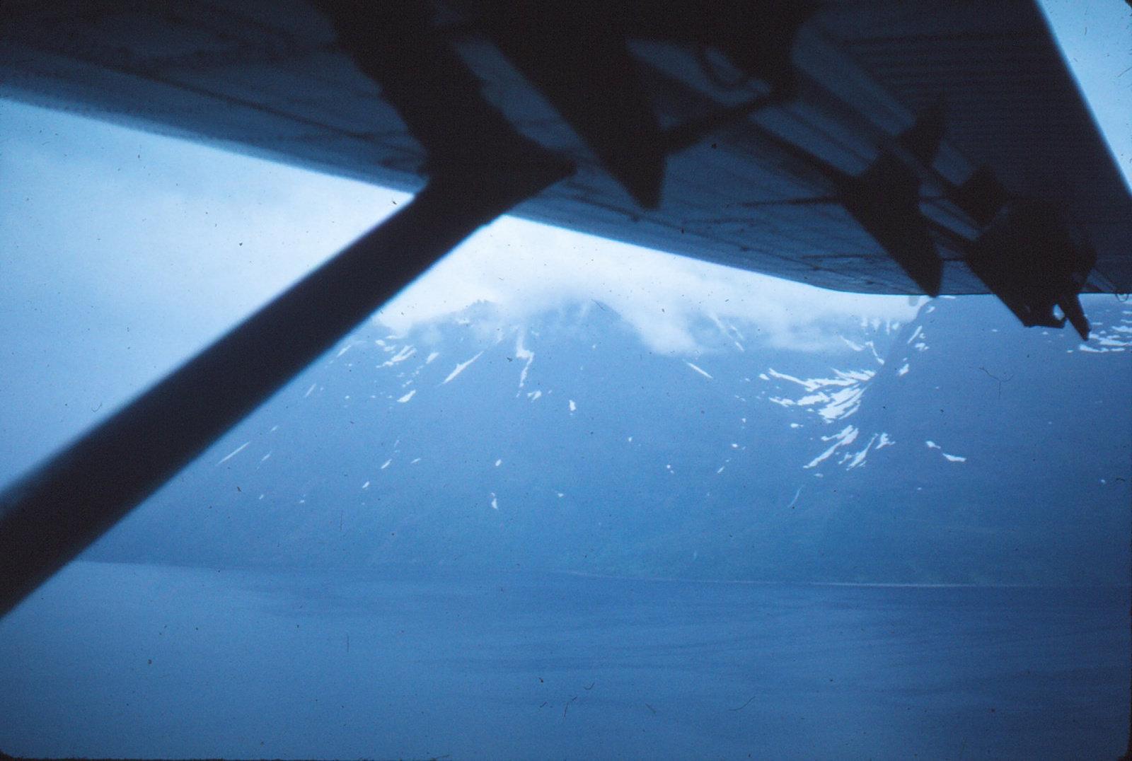 897 (8) Hangend dal Kwaenange fjord