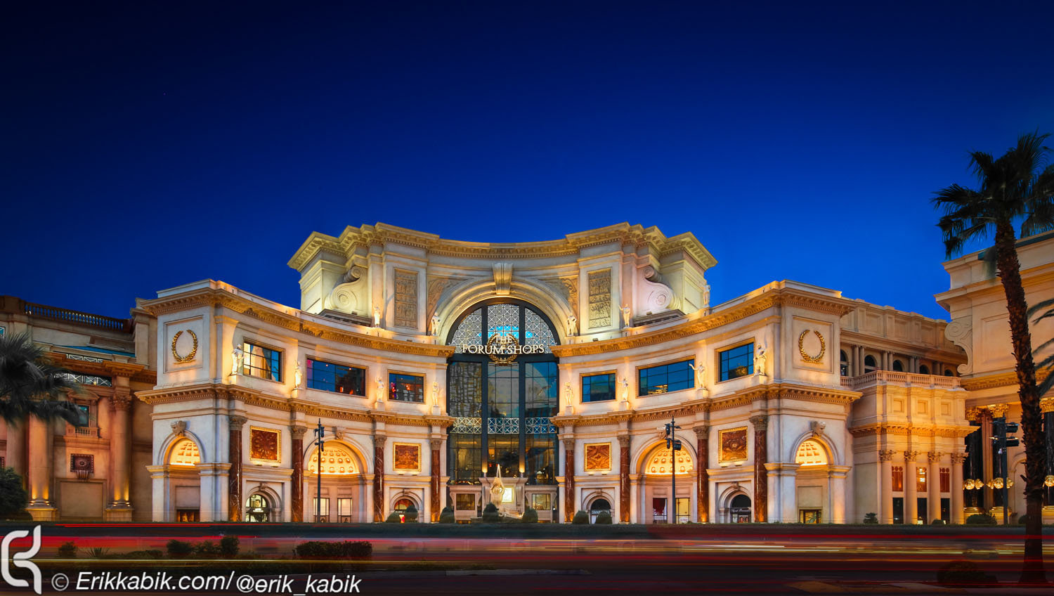 forum_shops_front_strip_-7_and_3_comp-4.jpg