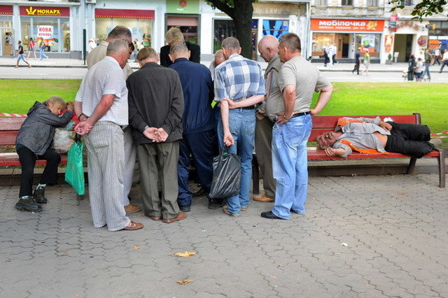 Yurko Dyachyshyn_(Benches)_336_resize.JPG