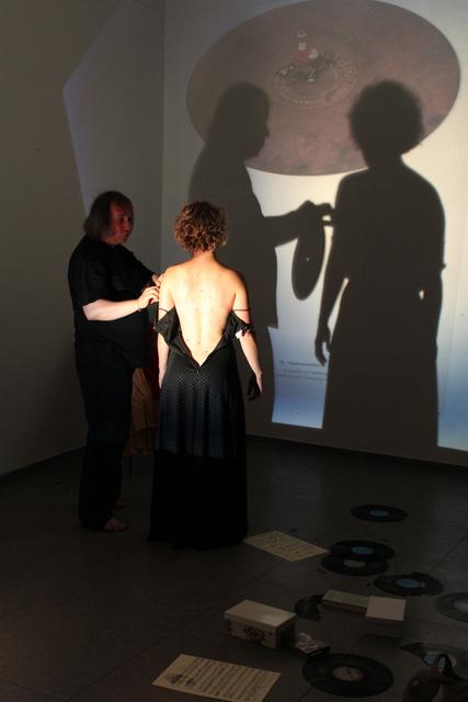 Cage, Bernd Sikora und Helena Hartmann, Ozean-Opera 2.jpg