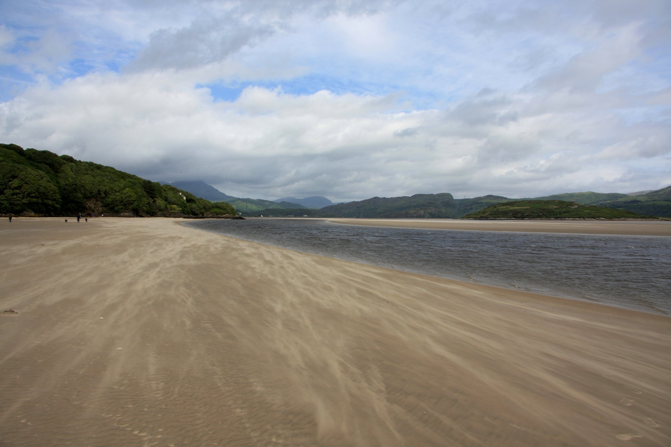 Portmeirion beach_5777376543_o.jpg