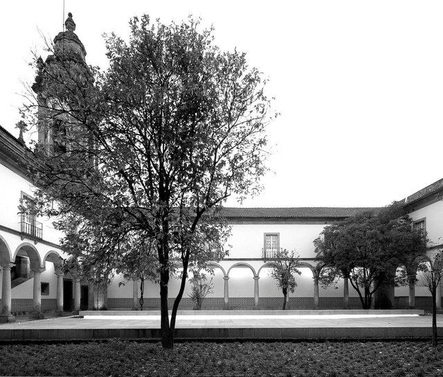 São Miguel de Refojos Monastery cloister | Cabeceiras de Basto, Portugal |
