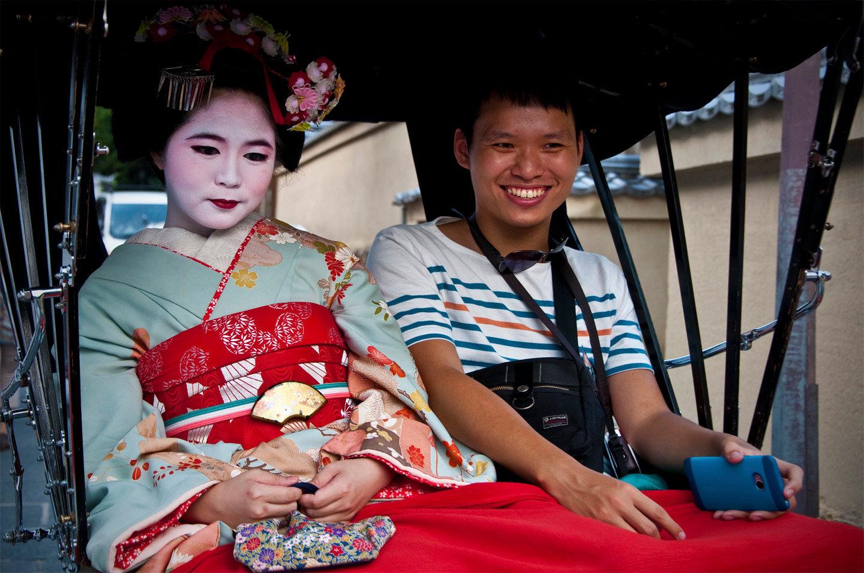 Young geisha, Kyoto