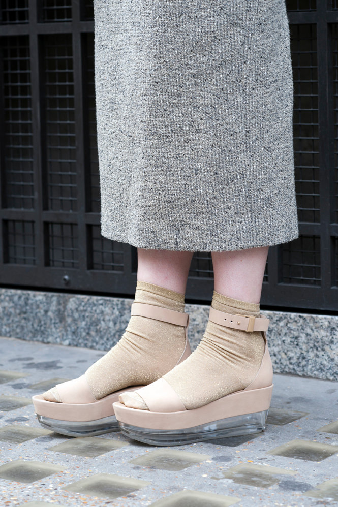 100_shoes01_1.jpg