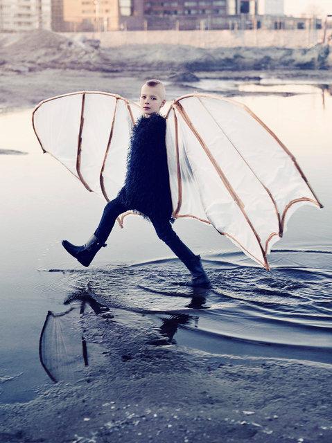 Marijke-de-Gruyter-Jet-Vervest-NTjong-Icarus.jpg
