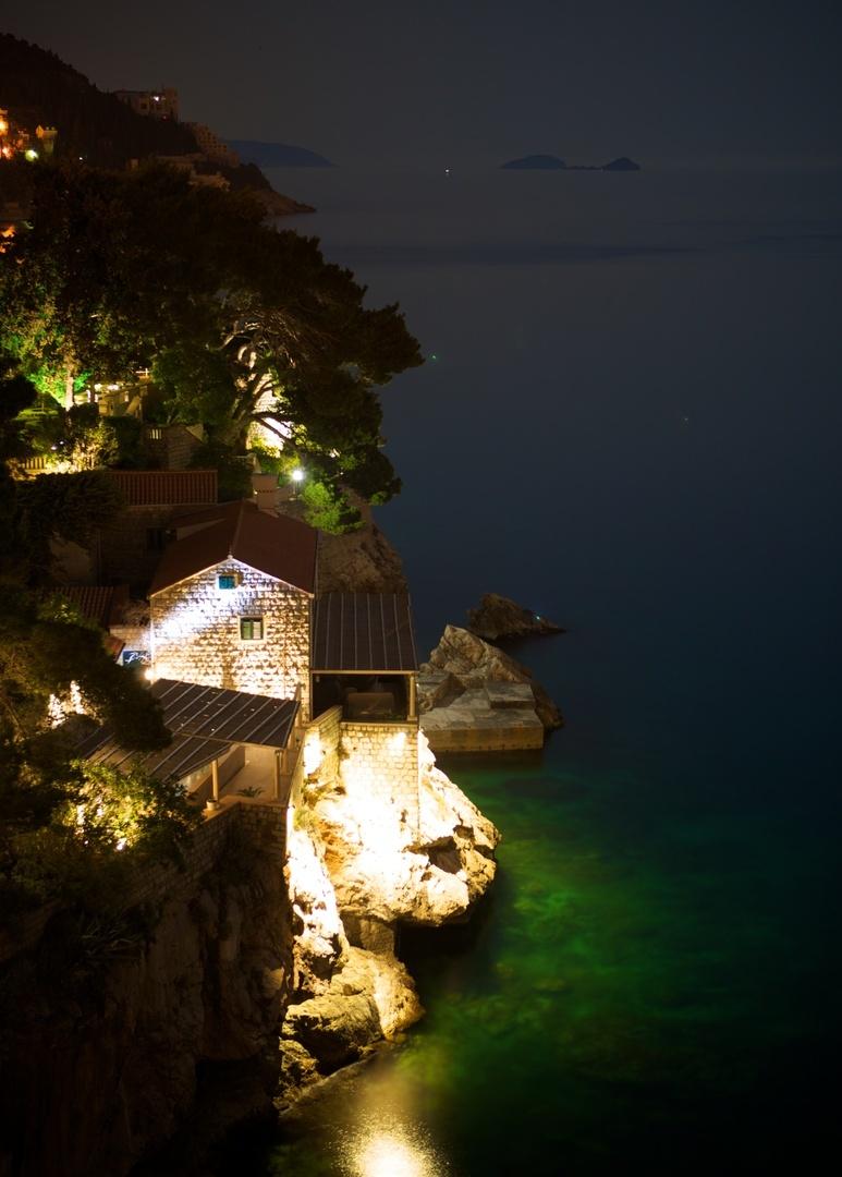 Casa iluminada em Dubrovnik