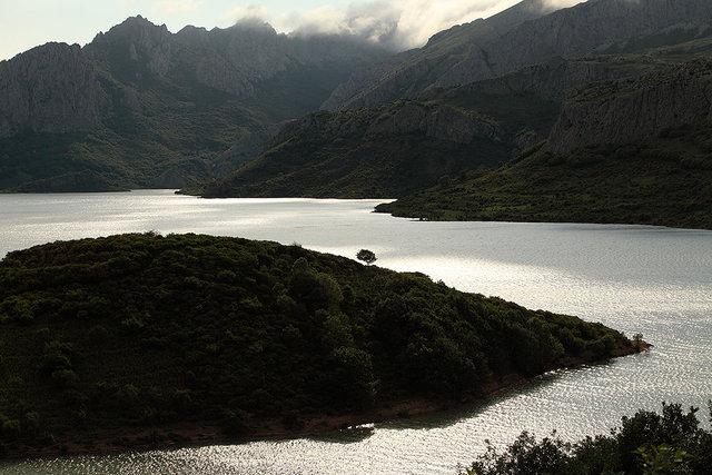 riaño lake 3