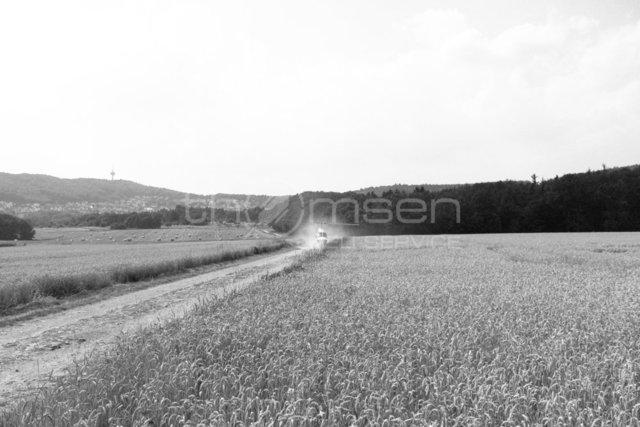 Landung auf dem anliegenden Feldweg