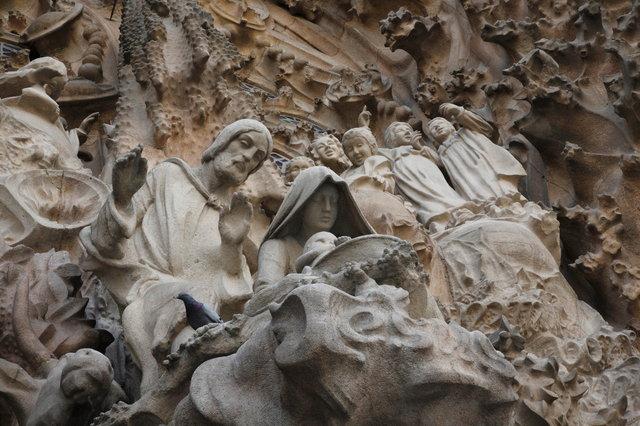 barcelona sagrada familia beeldengroep