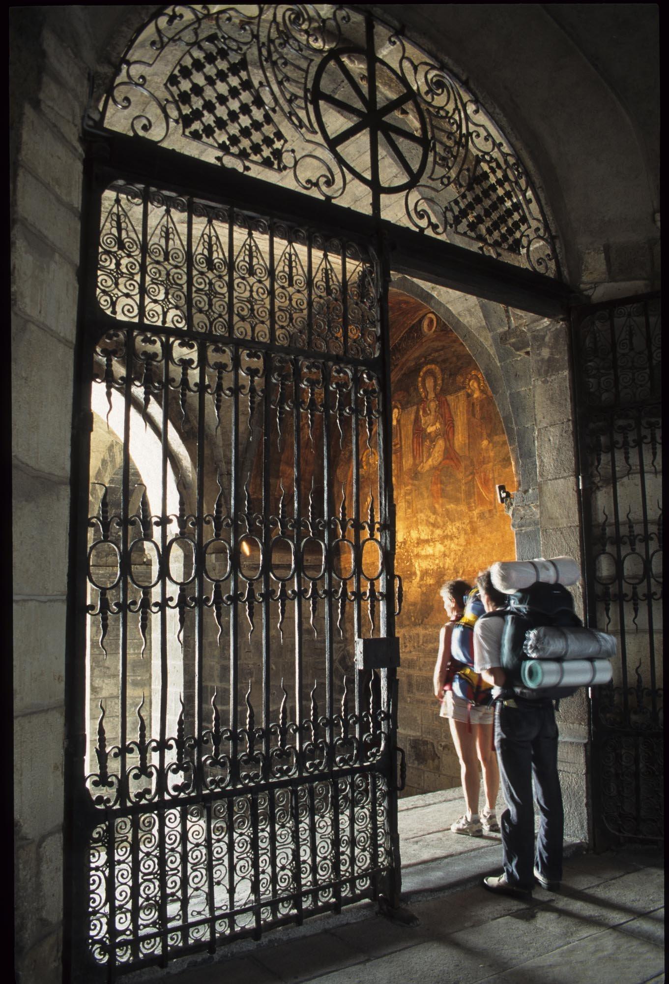 Départ de la cathédrale Notre-Dame du Puy-en-Velay