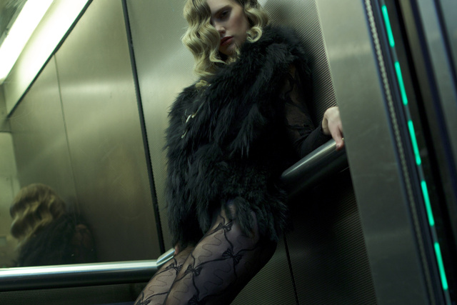 elevatorgirl_02.JPG