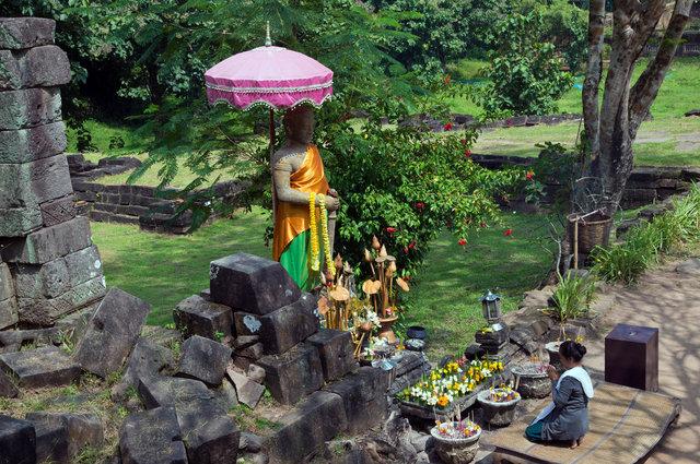 Devotion - Laos