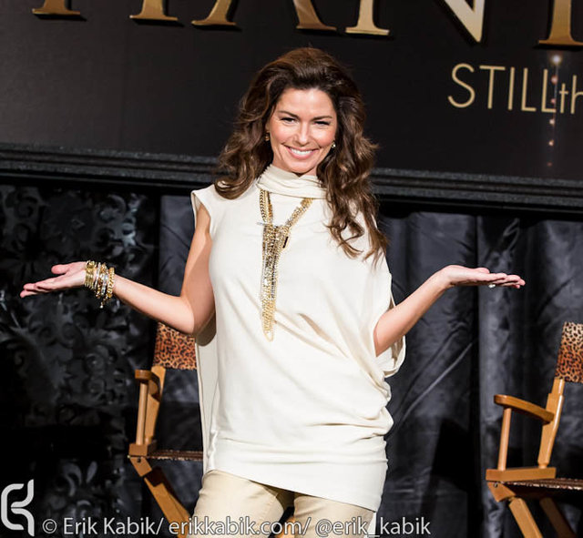 11_30_12_shania_twain_press_kabik-579-2.jpg