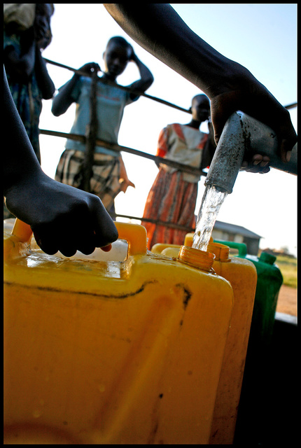 Ouganda - programme de distribution d'eau potable