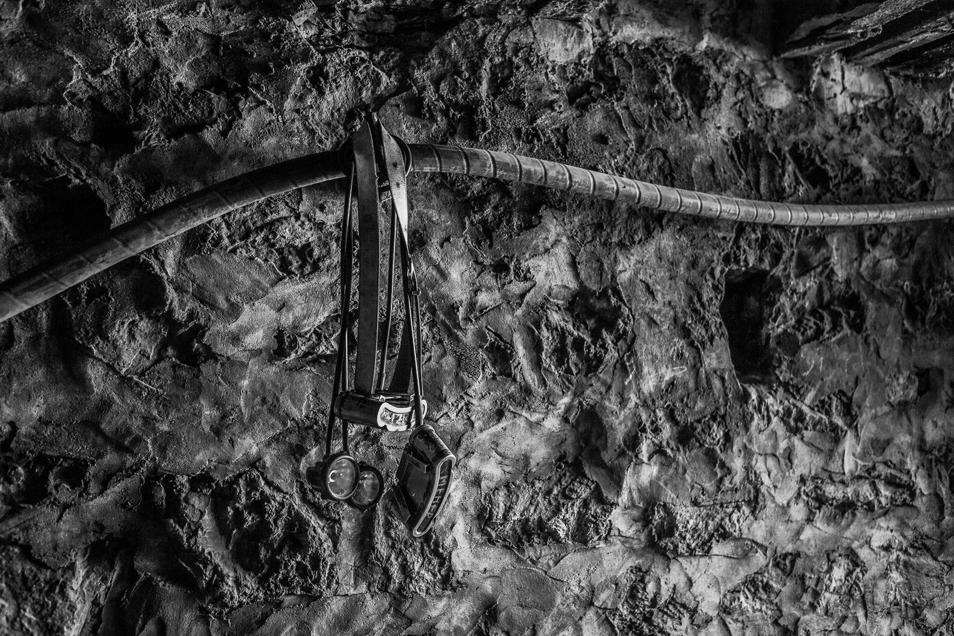 Lampes torches de mineurs. Mine de fer de Jerissa (encore en opération), 2013.