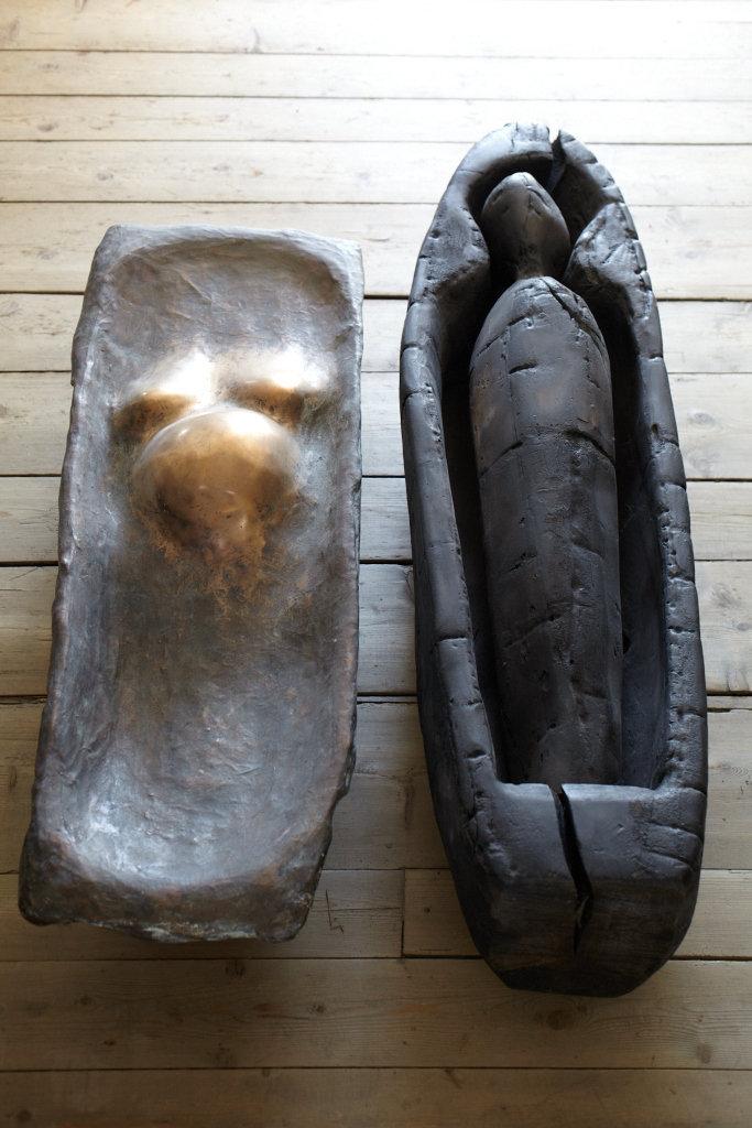 Skulpturen / Figuren 24