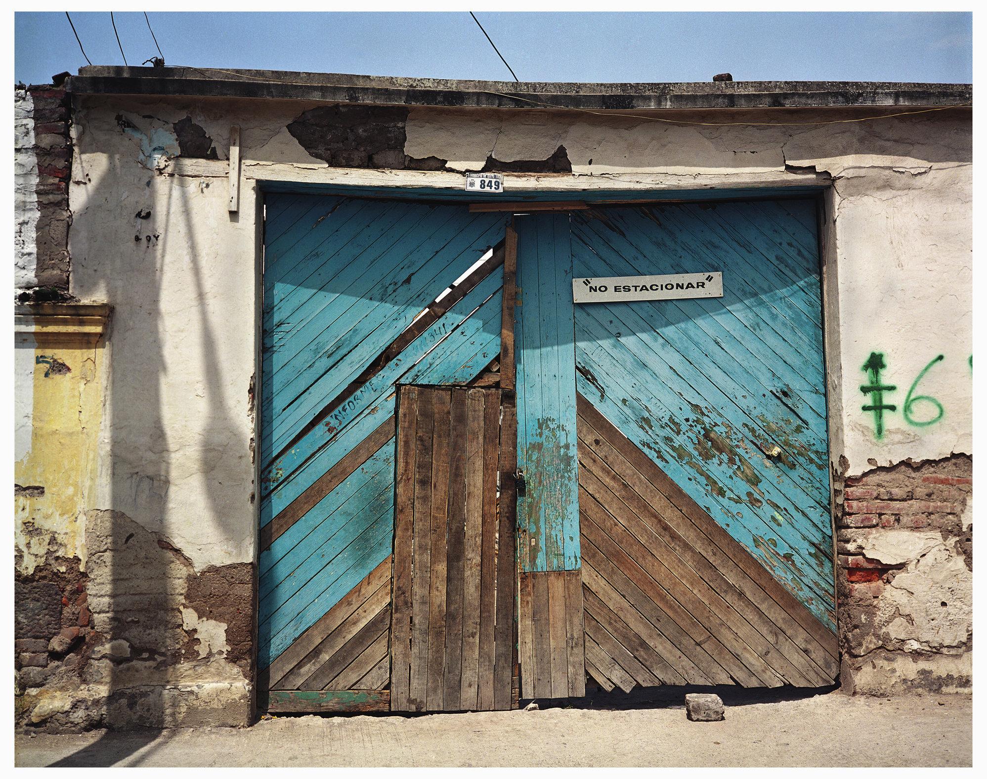 019  EWS  Quito Blue Garage Door.jpg