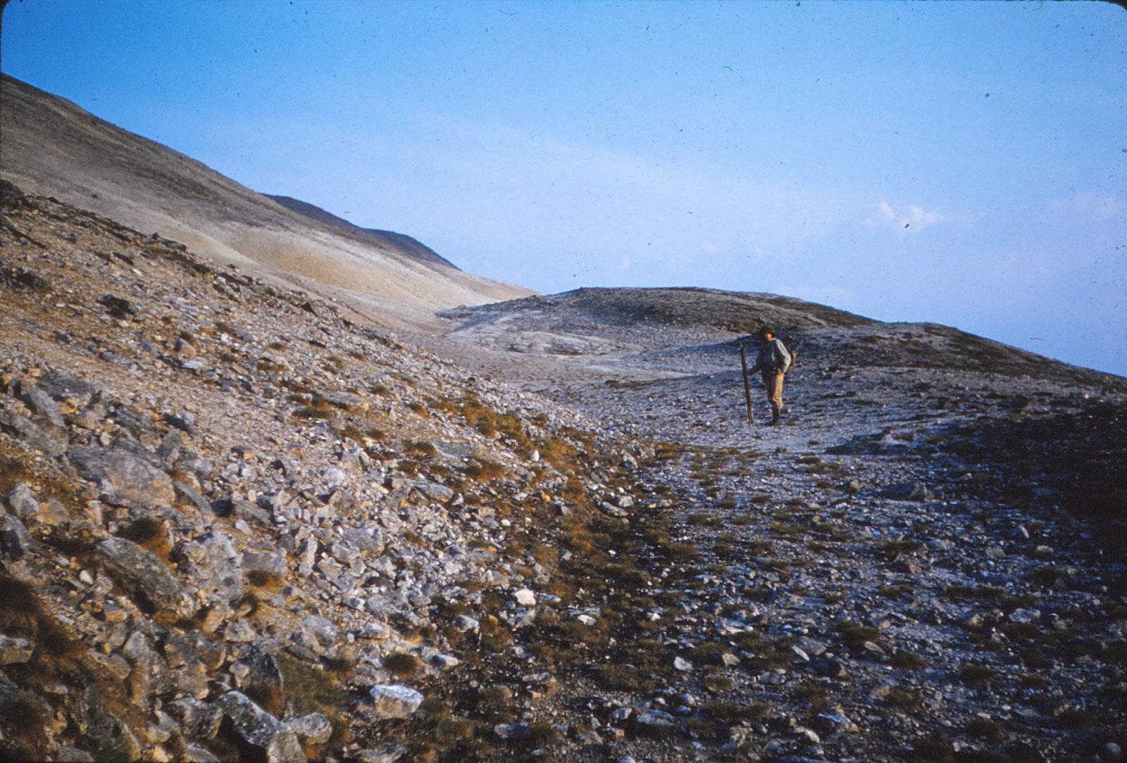 946 (20) Hoogste smeltwaterkanaal Vuorje, gezien naar ZW