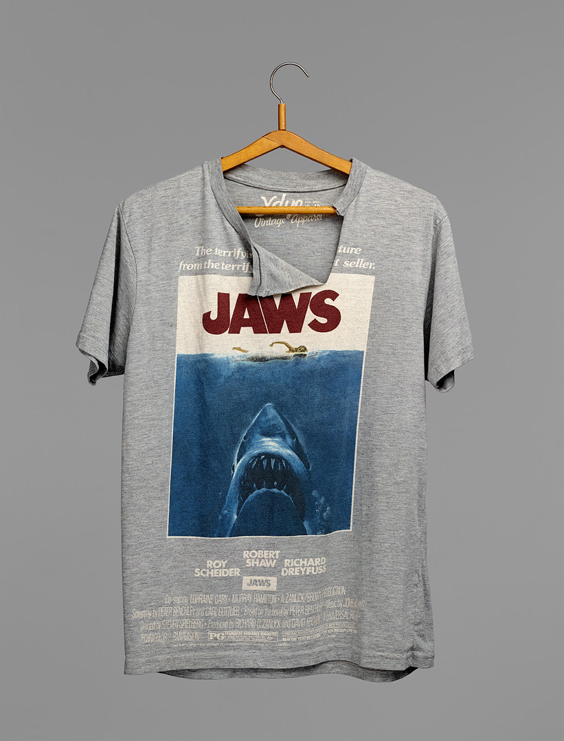 """jaws""    2014    82x108 cm    c-print"