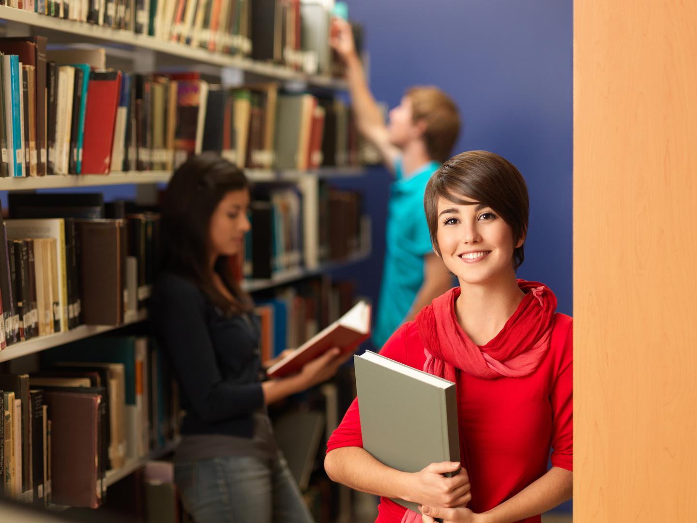 Estudiantes_Biblioteca_0266_achicada.jpg