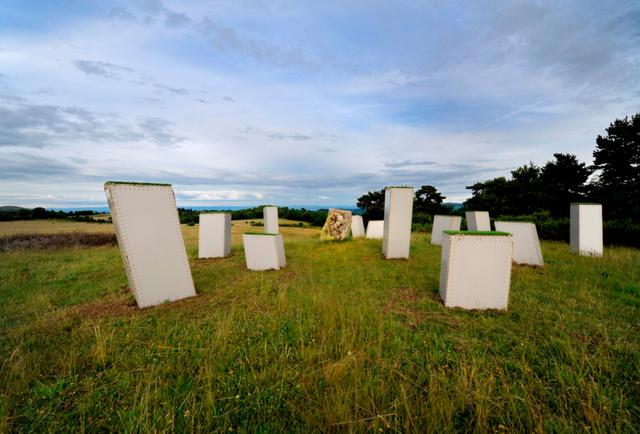 photos megalith monument3.jpg