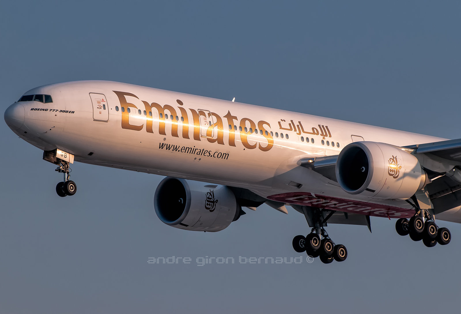 Boeing 777-31HER Emirates A6-EGB