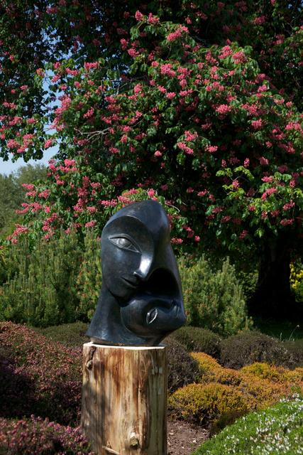 Mother and Child 2  2003   70 x 47 x 40cm  Bronze Resin  Hiller Garden 2011/ Winchester