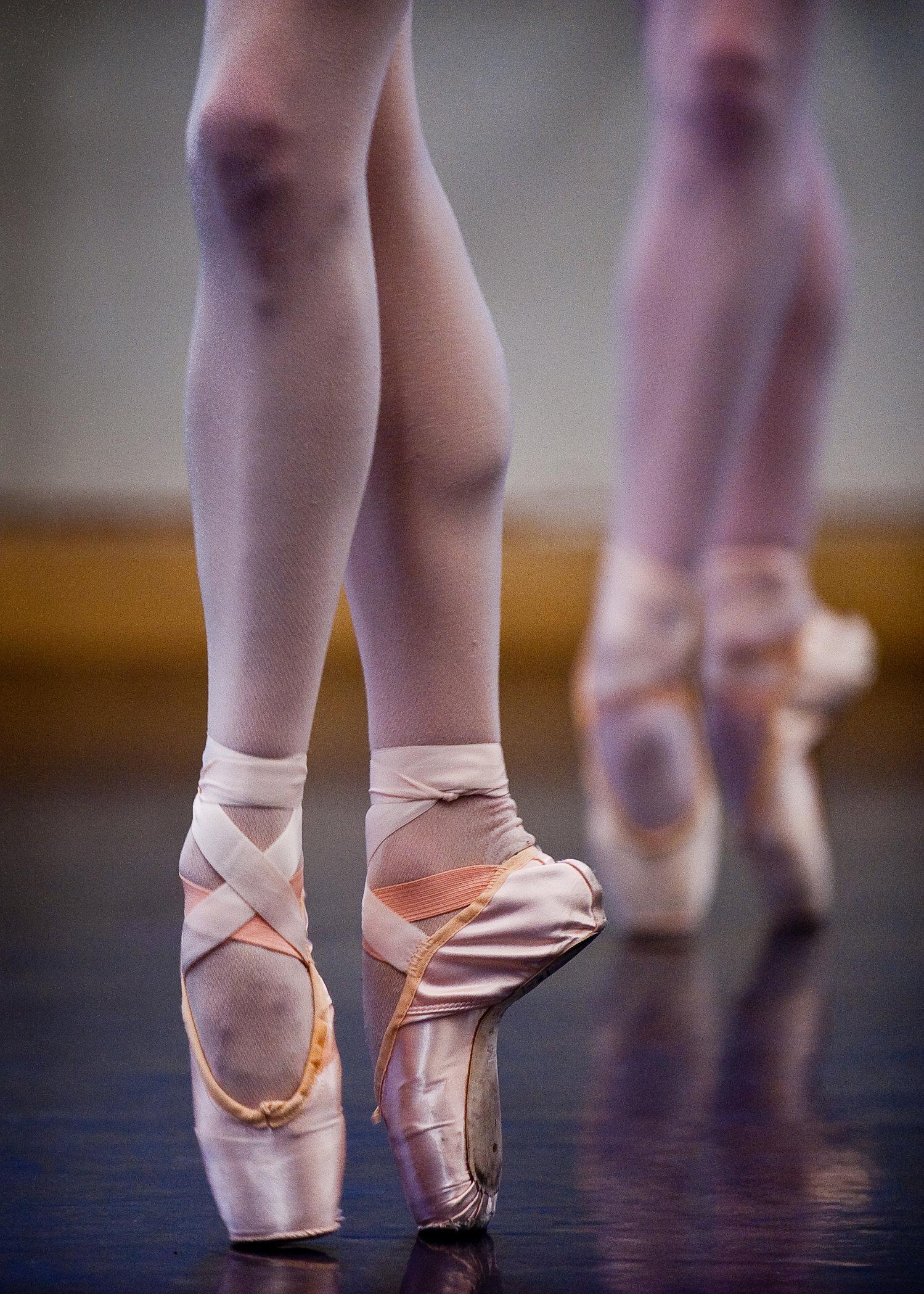 MANNY_DANCE_10.JPG