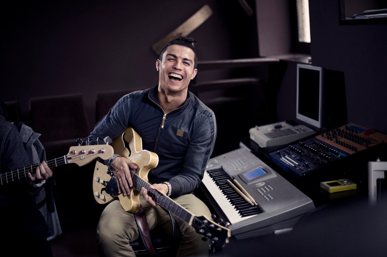 Nike_Cristiano_Ronaldo_Collection_03_original.jpg