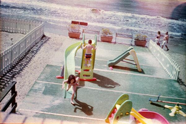 bimbi-game-beach-wb.jpg