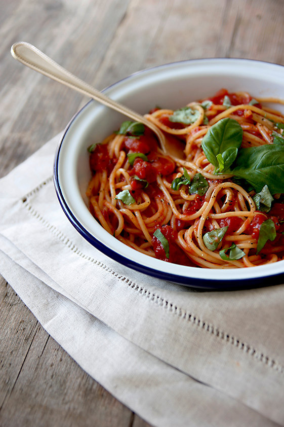 Basil and Tomato Sauce with Spaghetti